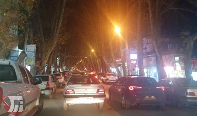 معظلات شهری خرمآباد؛ مثنوی هفتاد من کاغذ